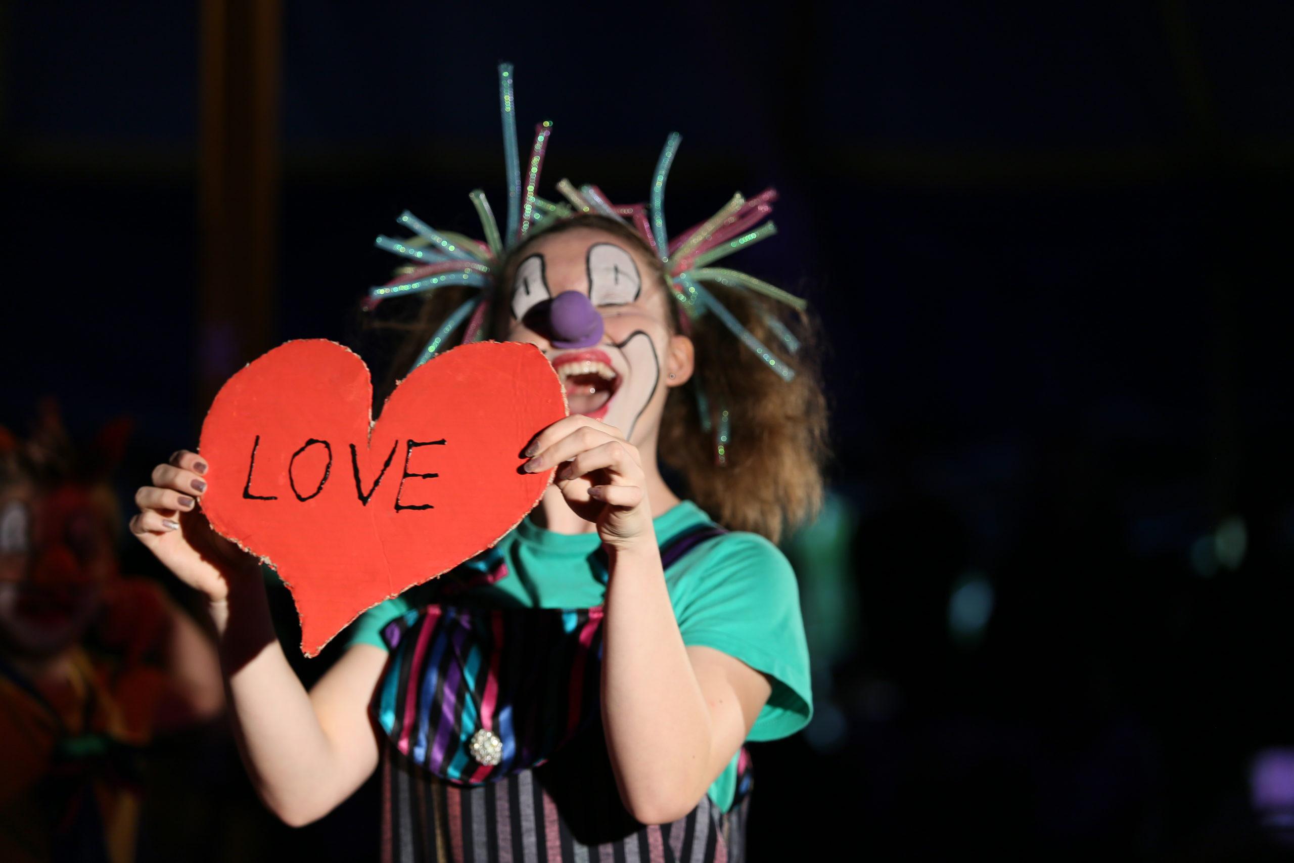Love Circus Biber